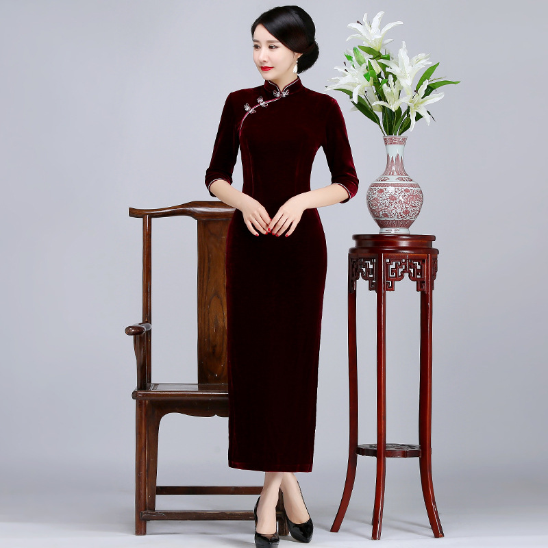 b5a219b4a30ae Winter Warm Mandarin Collar Mother Dress Women Velvet Long Solid Qipao  Vintage Chinese Style Plus Size