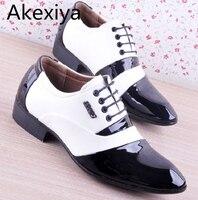 Akexiya męska PU Skóra Mody Mężczyzna Buty Mężczyźni Ubierają Buty Biały Czarny Oxford Buty Męskie Miękkie Ślub Koronki-Up Formalne Buty