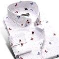 2017 Nueva Primavera Diseño Especial de Manga Larga Camisas de Los Hombres de Mariposa Impreso Floral Camisetas Cómodo Slim Fit Hombres Camisas de Vestir