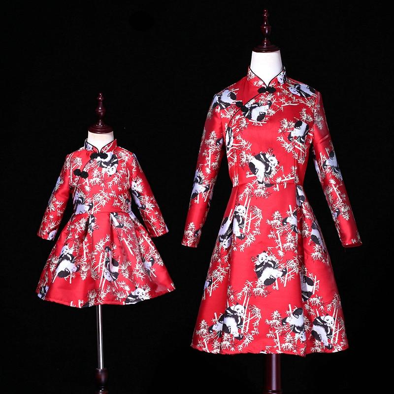 Parent-enfant Cheongsam mère fille robe princesse imprimé Panda velours maman Bebes mère et fille vêtements famille vêtements