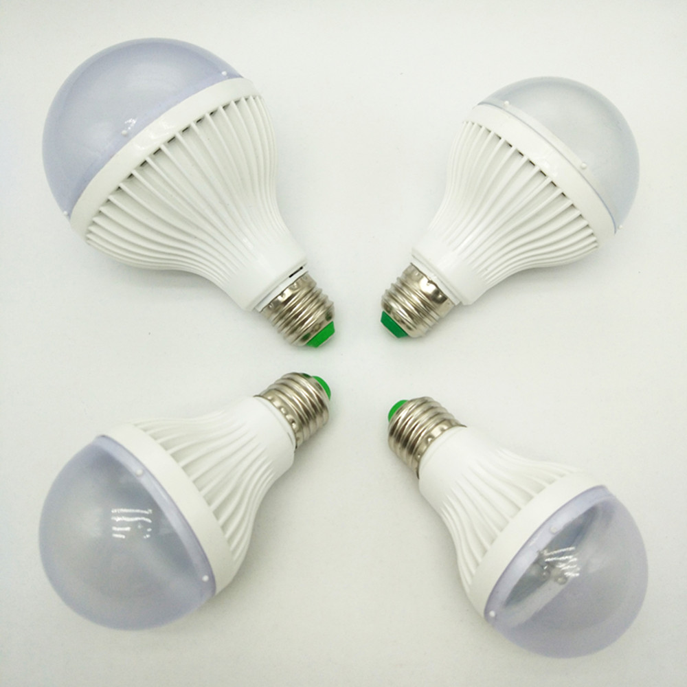 LED Bulb E27/E26 AC85-265V Flashing Light Full Color RGB Lamp For Indoor Festival Lighting Free Shipping