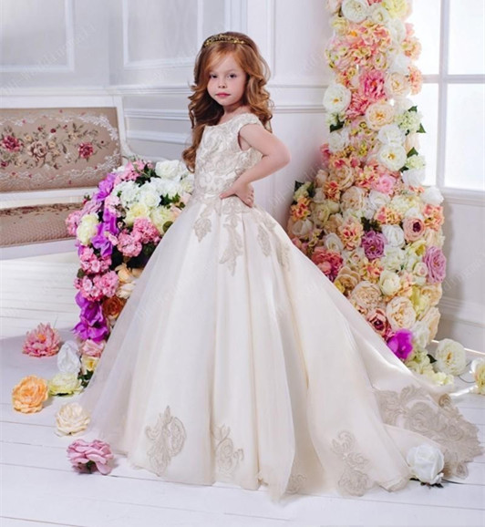 fe0ec6c342b Arabic Floral Lace Flower Girl Dresses Ball Gowns Child Pageant Dresses  Long Train Beautiful Kids First Communion Dress