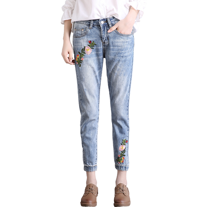 Elegant Flower Embroidery Jeans Female Light Blue Casual Denim Pants Capris 2017 Spring Autumn Women Harem Pant E640 flower embroidery jeans female light blue casual pants capris 2017 spring autumn pockets straight jeans women bottom
