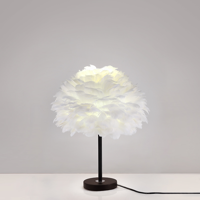 2018 New led Table Lamp Romantic Wedding Stage Decoration Lights Modern Living Room Table Lamps Kids Bedroom Feather Desk Lights