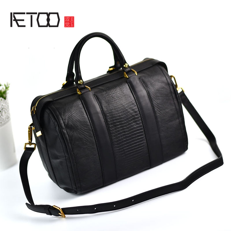 AETOO Boston first layer of leather ladies handbag bag fashion simple simple large-capacity handbags shoulder Messenger bag aetoo boston first layer of leather ladies handbag bag fashion simple simple large capacity handbags shoulder messenger bag
