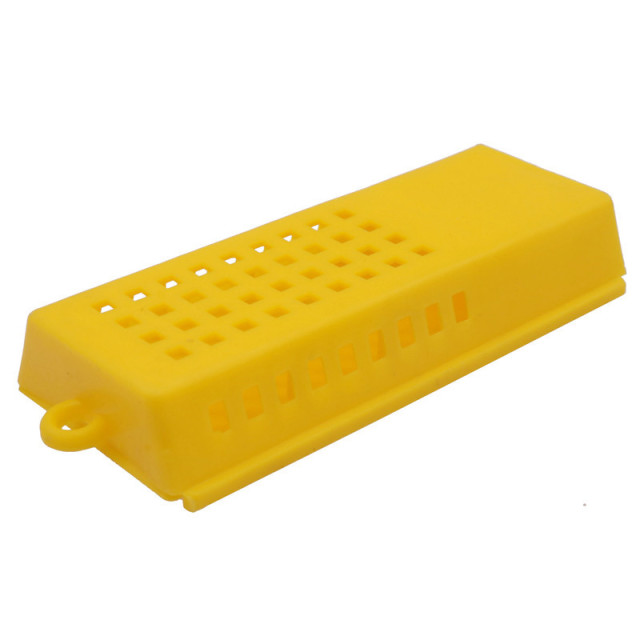 Beekeeping Tools Wholesale 4 Pcs Push Type Bee Queen King Cage Yellow Plastic Material Bee Transport And Mail Quality Assurance