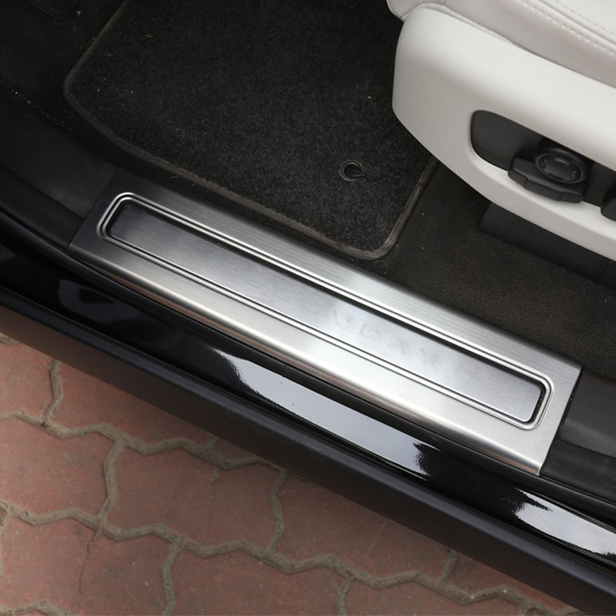 4pcs Stainless Steel Interior Door Sill Scuff Plate Trim For Land Rover Discovery 5 2017 Accessories Car Styling for land rover range rover sport stainless inside door sill scuff plate 2014 2017 4pcs silver black