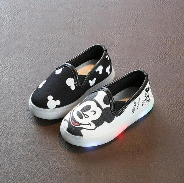 JawayKids/детская обувь со светодиодной подсветкой; Детские парусиновые кроссовки с изображением Микки; детская обувь с подсветкой для малышей; мягкие слипоны для мальчиков и девочек