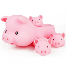 4pcs/pack Mom & Baby Pink Pig Bath Toy Latex Funny Game with Whistle Rubber Squeaky Shower Toy for Baby
