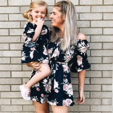 Family Look Mom and Daughter Dress  Off-Shoulder Floral Printed Flare Sleeve Mommy and Me Matching Family Outfits 8632 цена