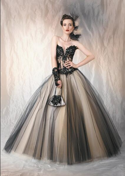 Black And Nuder Two Toned Gothic Vintage Wedding Dresses Gowns Sweetheart Lace Appliques Sheer Bodice Ball Gown Bridal Gowns