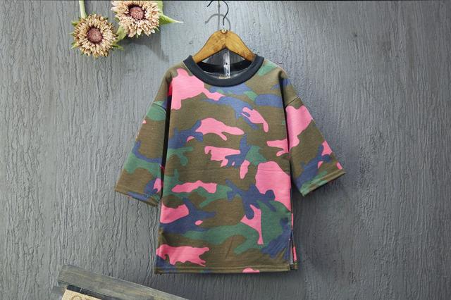 [Bosudhsou.] JH-21 Bebê Das Meninas Dos Meninos T camisas Crianças Moda Camuflagem Blusas Meninas de três Manga trimestre Encabeça Roupas de Outono