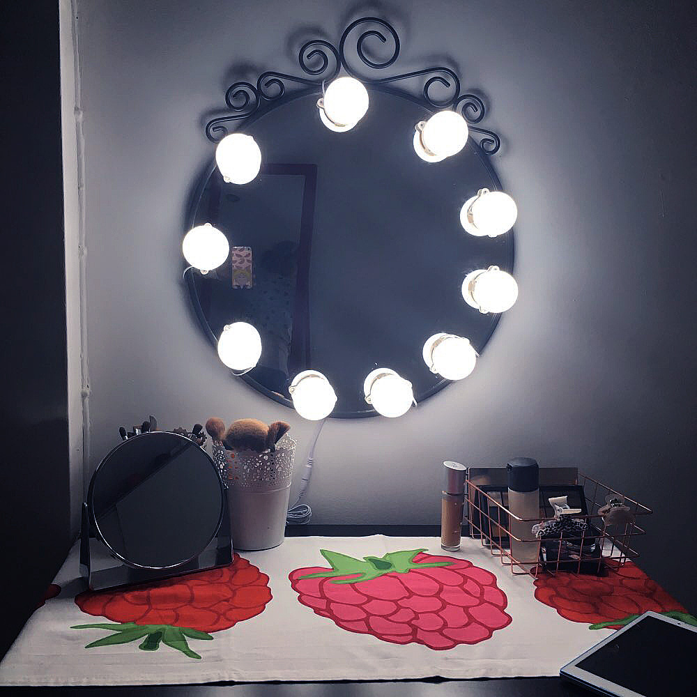 Sensible Russian Warehouse Led Vanity Light Hollywood Bulb Touch Switch Dimmable 10led Makeup Mirror Wall Lamp For Dressing Table Eu Plug Aromatic Character And Agreeable Taste Vanity Lights