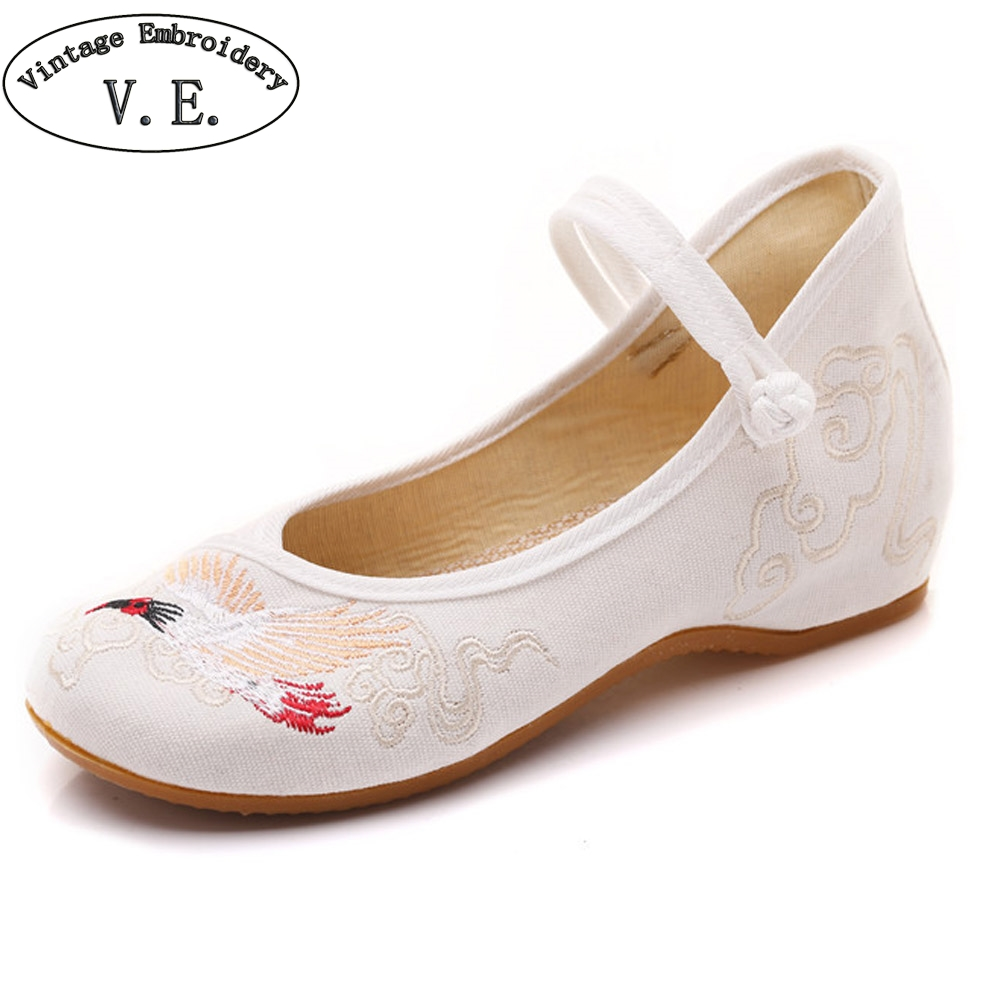 Spring New Women shoes White Crane Embroidery Cotton Comfortable Old Peking Flats Ballet Dance Drive Shoes Woman Sapato Feminino vintage embroidery women flats chinese floral canvas embroidered shoes national old beijing cloth single dance soft flats