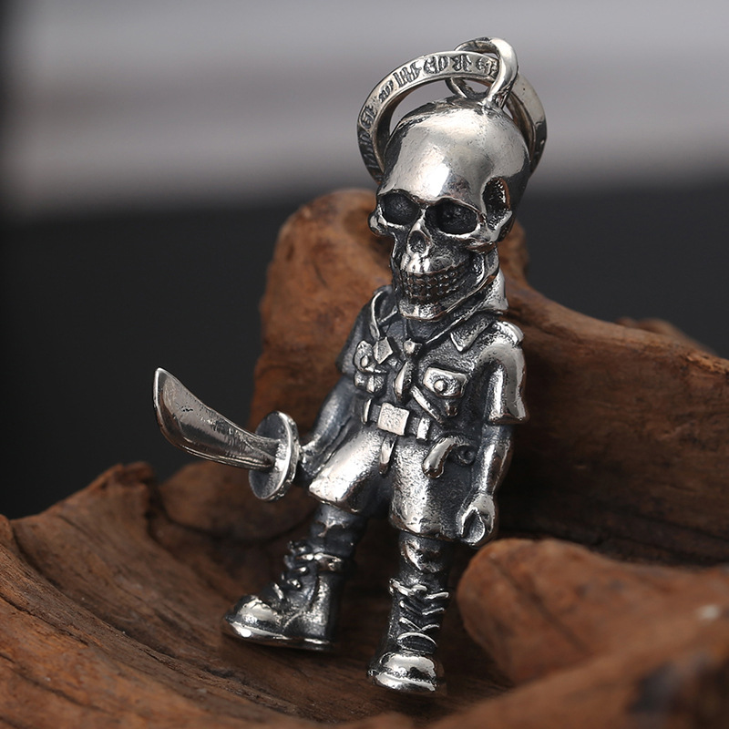 Wholesale S925 Sterling Silver Jewelry Domineering Hoe Holding Knife Soldier Men's Pendant Trendy Fashion Necklace Pendant