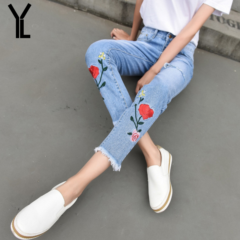 YL 2017 Jeans Women Sweet Fshion Style Mid Waist Ankle Length Pants Floral Embroidery Pencil Pants Loose Denim Jeans Plus Size 2017 spring new women sweet floral embroidery pastoralism denim jeans pockets ankle length pants ladies casual trouse top118