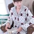 2016 Nova Primavera Inverno Manter Aquecido Grosso Coral do Velo Dos Homens Conjunto de Sono Tops & Shorts de pijama de Flanela Sleepwear Térmica camisola