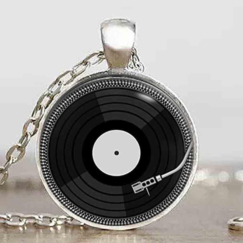 Vintage DJ vinyl LP Steampunk Hängsmycke hjälte stor Skivhalsband charm kedja 1st / lot man kvinna leksak dr vem jul brons silver