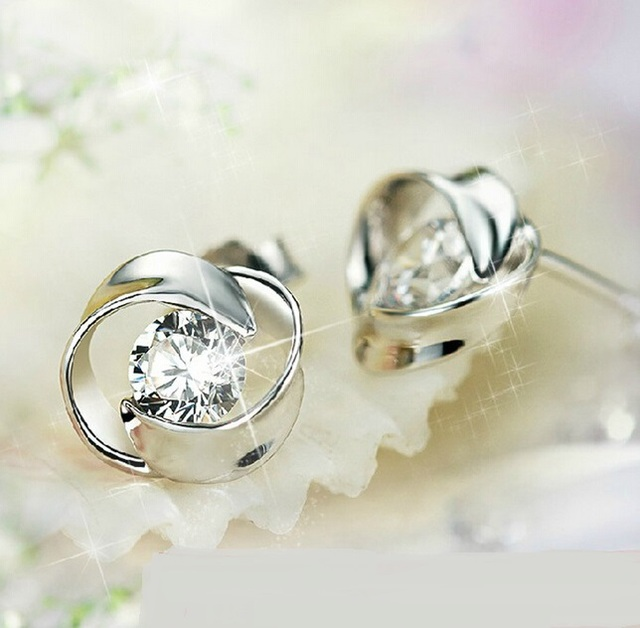 OMHXZJ Wholesale Fashion jewelry Rotary love AAA zircon 925 sterling silver Stud earrings YS09