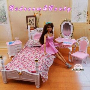 Image 2 - Muebles auténticos para dormitorio de barbie, accesorios para muñecas de princesas, 1/6 bjd, mini tocador, armario, juguete infantil regalo