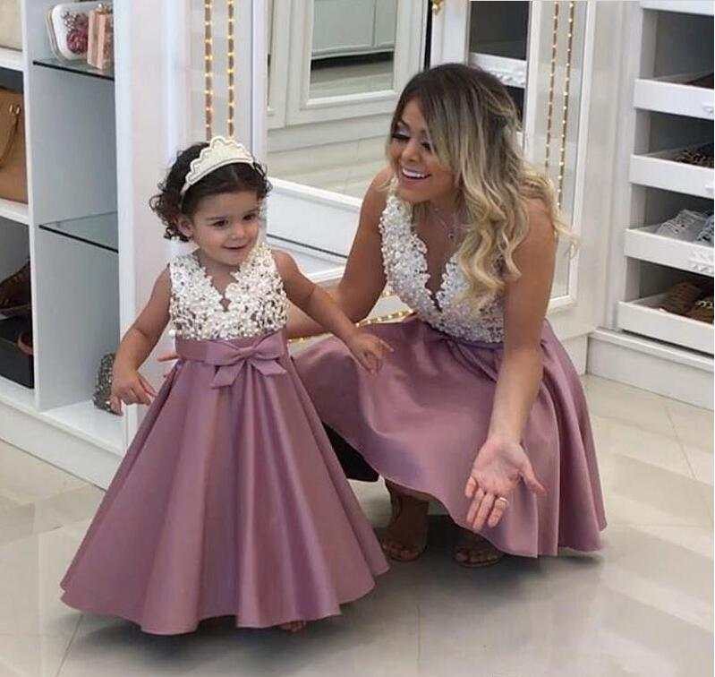 2019 Lovely A line Satin   Flower     Girls     Dresses   for Weddings V neck Appliques Lace Birthday   Girl   Communion Pageant Gown