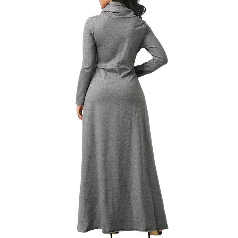 Robe en laine grande taille avec col roulé grise de dos