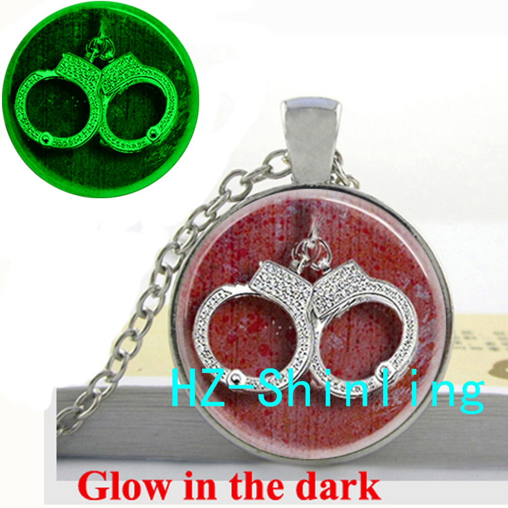 New Fashion Glowing Pendant Couple Handcuffs Necklace Crystal Handcuffs Jewelry Glass Photo Pendant Necklace