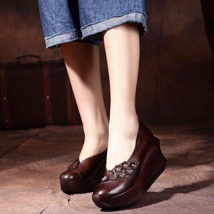 2017 Printemps Femmes Pompes Brun À La Main Femmes Chaussures Rétro Style Dames 8 cm Haute Talon Pompes Véritable Compensées En Cuir Chaussures paresseux Chaussures
