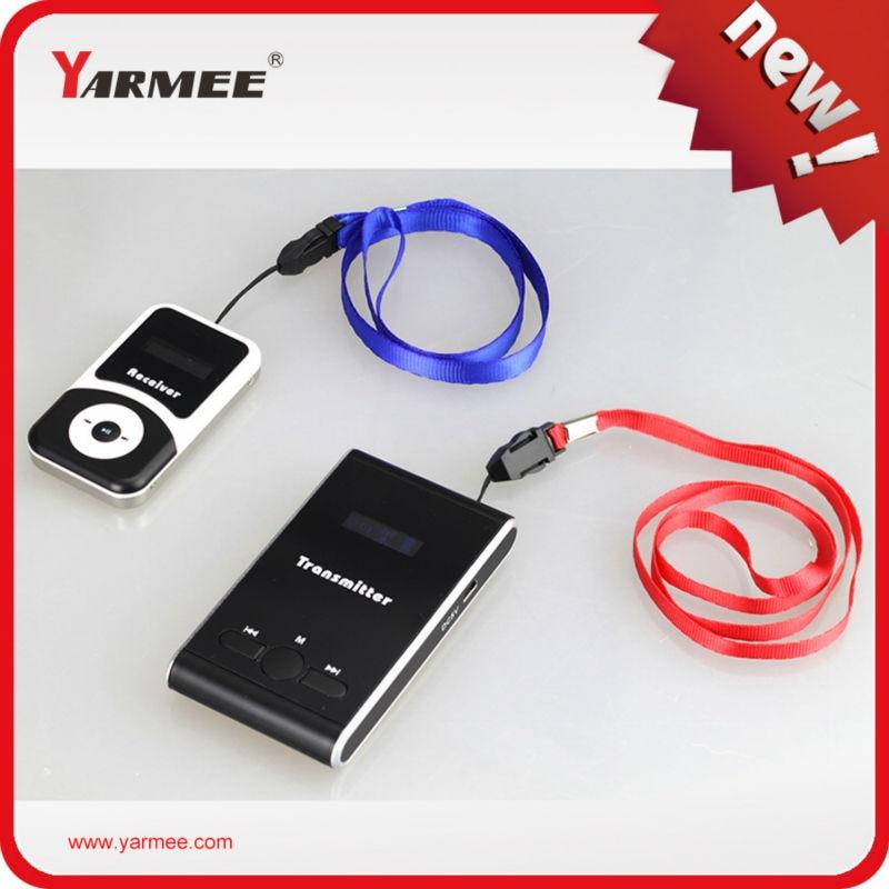 Sistema di Guida Audio Un Set Campione (1 pz trasmettitore con microfono + 1 pz ricevitore con earphone + charger accessori)