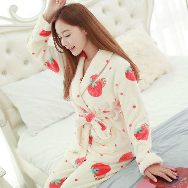 Sexy Male Pajamas Rushed Suits In The Fall And Winter Of 2016 Fashion Lovely Strawberry Cartoon Long Sleeve With Thick Pajamas
