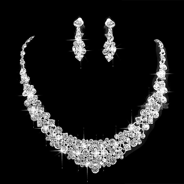 Sparkly Silver Tone Clear Rhinestone Crystal Diamante Wedding Necklace and Earrings Jewl ...