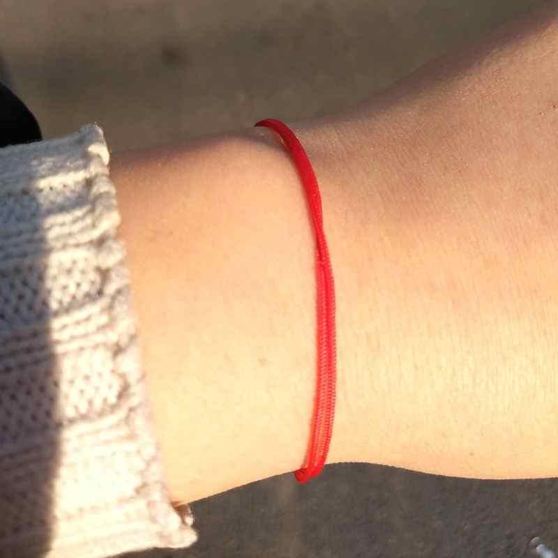 女性のシンプルな薄型ラッキー赤文字列のブレスレット New ファッションジュエリーカップルブレスレット誕生日プレゼント