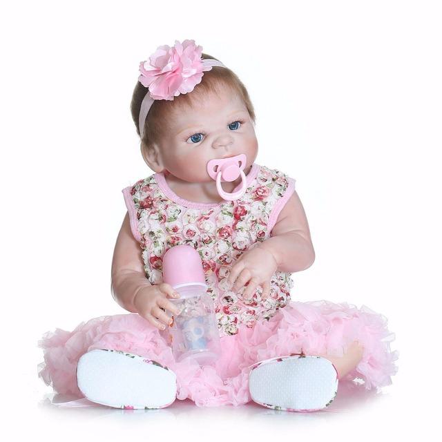 NPK coleção bebe realista boneca reborn corpo cheio de silicone com rosa vestido de olhos azuis de moda menina bonecas brinquedos bonecas