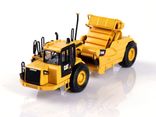 Cat 613G Wheel Tractor Scraper 1/50 scale construction model by Norscot 55235 norscot 1 50 siecast model caterpillar cat ap655d asphalt paver 55227 construction vehicles toy