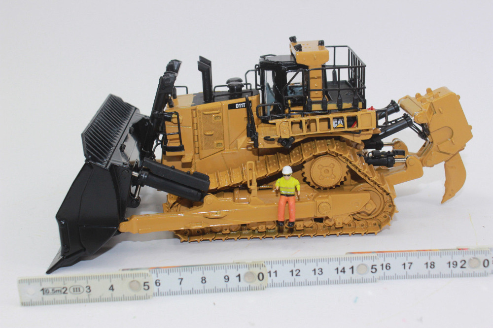 US $147 87 7% OFF|1:50 Scale Cat D11T CD Carry Dozer Track Type Tractor By  Diecast Masters DM85567-in Diecasts & Toy Vehicles from Toys & Hobbies on