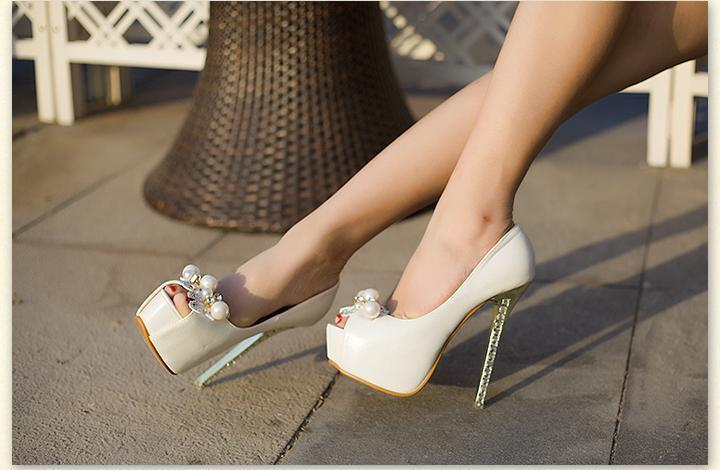 918c24243f0 Trendy Pear Upper Diamonds Heels Lady Peeps Cheap Cute Diamonds Heel  Stilettos High Heel Shoes Cheap Elegant Prom Heels-in Women s Pumps from  Shoes on …