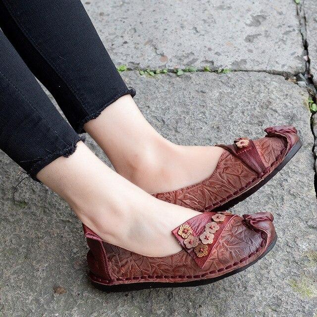48fa28f5f Couro genuíno das Mulheres Do Vintage Sapatos Flats Dedo Pé Redondo Sola  Macia Sapatas Das Senhoras Handmade Mocassins 2019