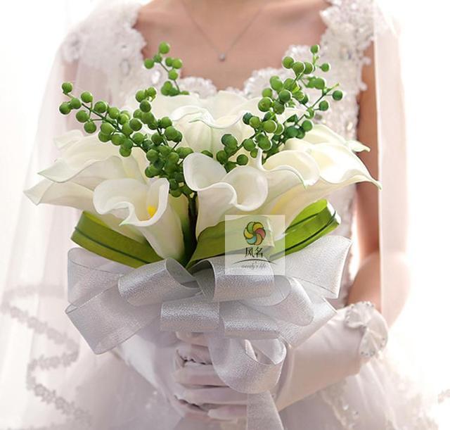 Romantyczny ślub Bride Gospodarstwa Kwiaty Bukiet ślubny Bridal