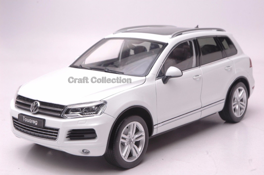 *White 1:18 Volkswagen VW Touareg Luxury SUV Diecast Model Car Classical Collection Off Road Commercial Vehicle