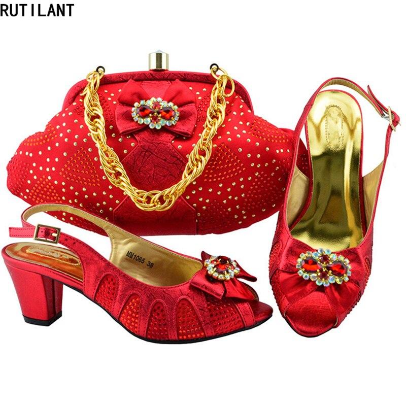 rose Strass Africain Avec Or De 2018 Designer vert Ensembles Chaussures rouge Décoré Et Nouvelle Arrivée Femmes Ensemble violet argent Sac Nigérian Mariage jL54AR