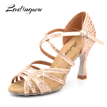 цены на Ladingwu Dance Shoes Latin Woman Salsa Silk Satin Dancing Shoes Glitter Rhinestone Professional Dance Shoes Ballroom Soft Bottom  в интернет-магазинах
