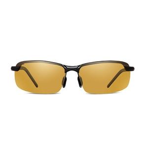Image 2 - 2018 Nachtzicht Bril Gepolariseerde Zonnebril Mannen Mode Nachtzicht Rijden Zonnebril Zonnebril Mannelijke Eyewear Dag en Nacht