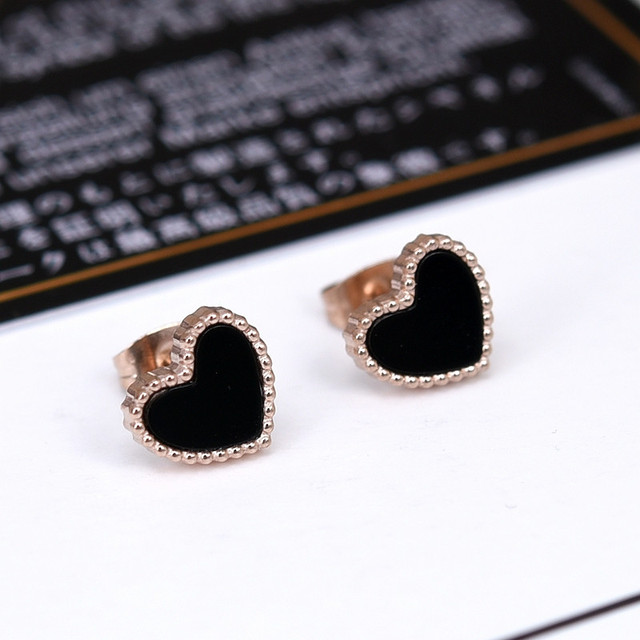 Yunruo New Arrival Black Heart Stud Earring Anium Steel Rose Gold Color Jewelry Woman Fashion