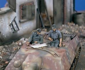 1:35  German Tanks Command Groups