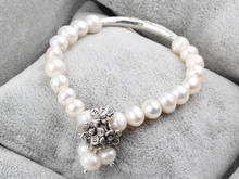 Pretty white freshwater pearl bracelet with metal beads flower girl bracelets wholesale 10 PCS / LOT(China)