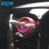LOEN 1 ADET Araba Parfüm Hava Spreyi Katı LED Araba Hava klima Havalandırma Oto Koku Koku Aromatik Kırmızı Gümüş Siyah Altın mor