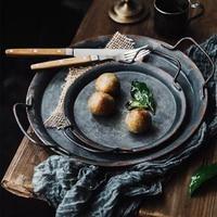 Европейская металлическая тарелка с ручками ручной работы, Круглый кованый винтажный поднос для хранения хлеба, украшение дома, сада, ресто...