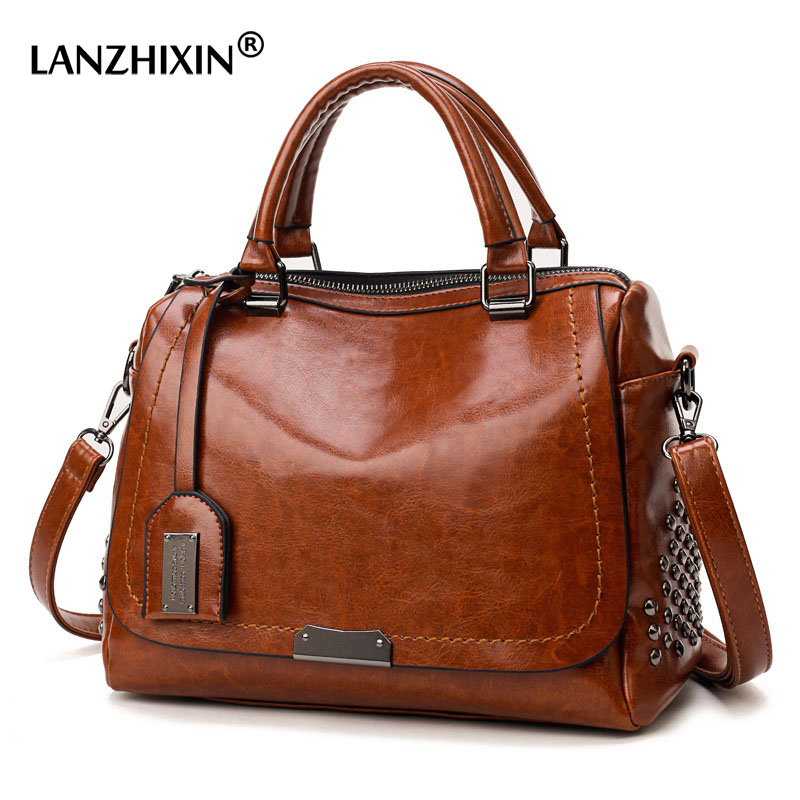 Famous Brand Oil Wax Leather Rivet Boston Bag Crossbody Bags For Women 2019 Tote Shouler Bag Luxury Handbags Women Bags Designer