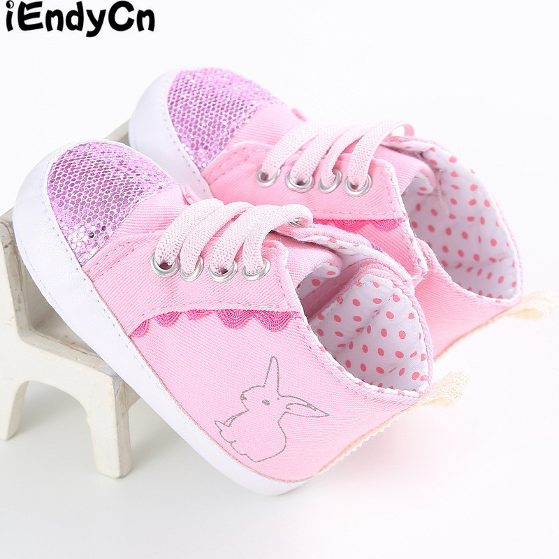 A toddler shoes 0 and 1 year old female baby soft bottom sport casual shoes new during the spring and autumn winter LEW352