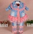0-2A new 2017 conjuntos de roupas de primavera meninas lace denim patchwork 3 pcs roupa dos miúdos conjuntos meninas camisa do laço do bebê da menina outono conjunto